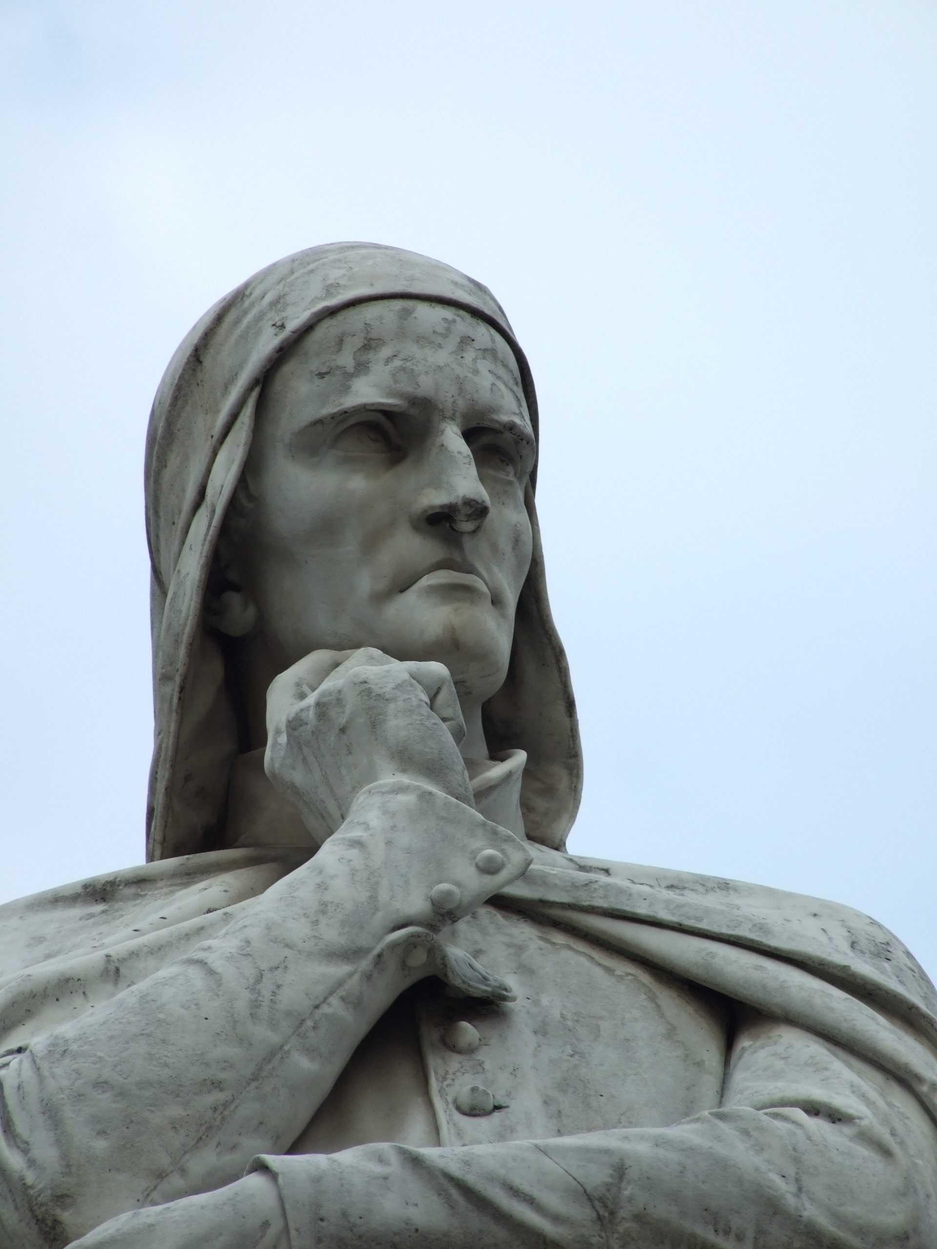 Statue Dantes in Verona